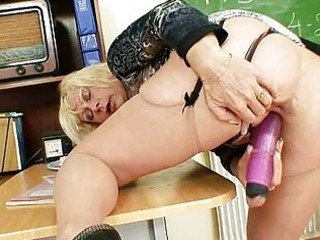 milf teacher loves to masturbate after institute