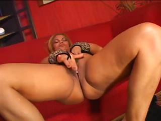horny bleached mature latina licks difficult cock