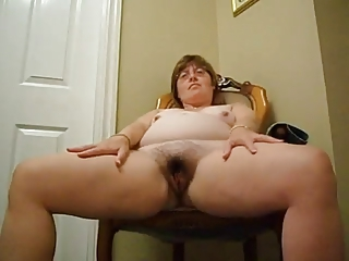 bbw cougar shows her body
