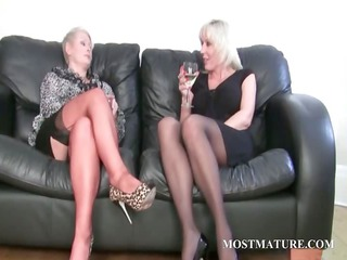 bleached lesbo massages her grown-up cunt