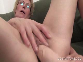 lusty mature babe pushing dildo craving twat