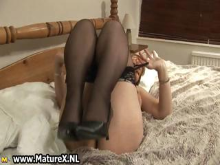 large chest cougar lady with brown pantyhose part3