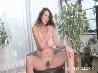 mommy likes to touch her hairy vagina
