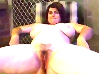 piss heavy babe pissing