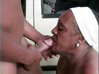 older mamma al fresco bang