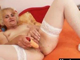 grown-up dominika elderly vagina gaping and