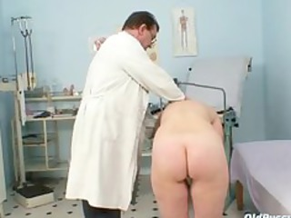 cougar old cave gyno speculum examination with