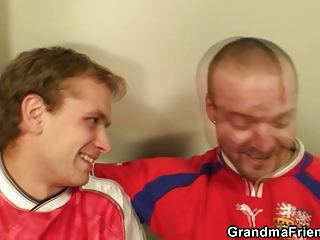 elderly slut has to obtain fucked by two guys to