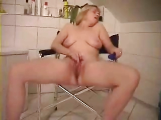 cougar slut loves to be watched when she pleases