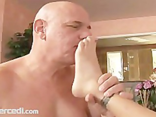feet love and toe licking