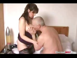 horny pregnant american cougar