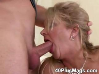 mature mouth and vagina drilling skills