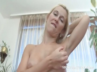 bleached cougar girl rubs pink prostitute