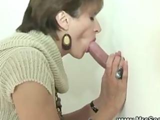 cuckolds lady tugs dick