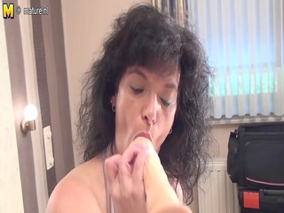 nonprofessional old mother getting willing with