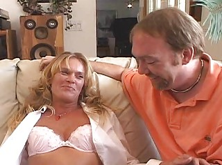 horny d gives chilie bottom amp wife training 101