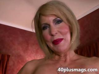 mature divorcee acquiring exposed natural slit