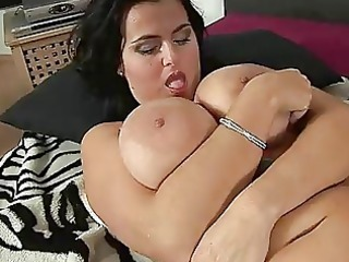 big breast grown-up reny pushing vibrator trion