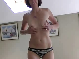 inexperienced wife getting nude