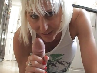 desperate blonde momma gives hard rod a good dick