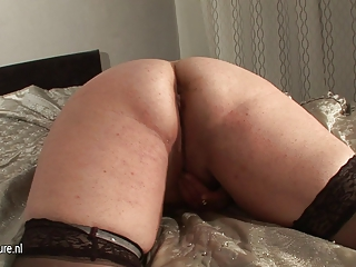 fresh chubby older slut woman and her cucumber