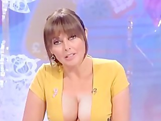 carol vorderman cleavage